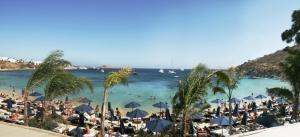 psarou-beach-mykonos-1
